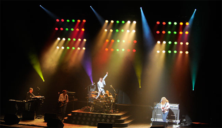 Image: Gary Mullen and The Works- Queen Tribute Band Performing
