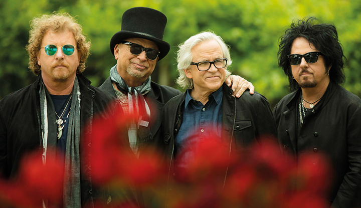 Image: Toto - Full band photo